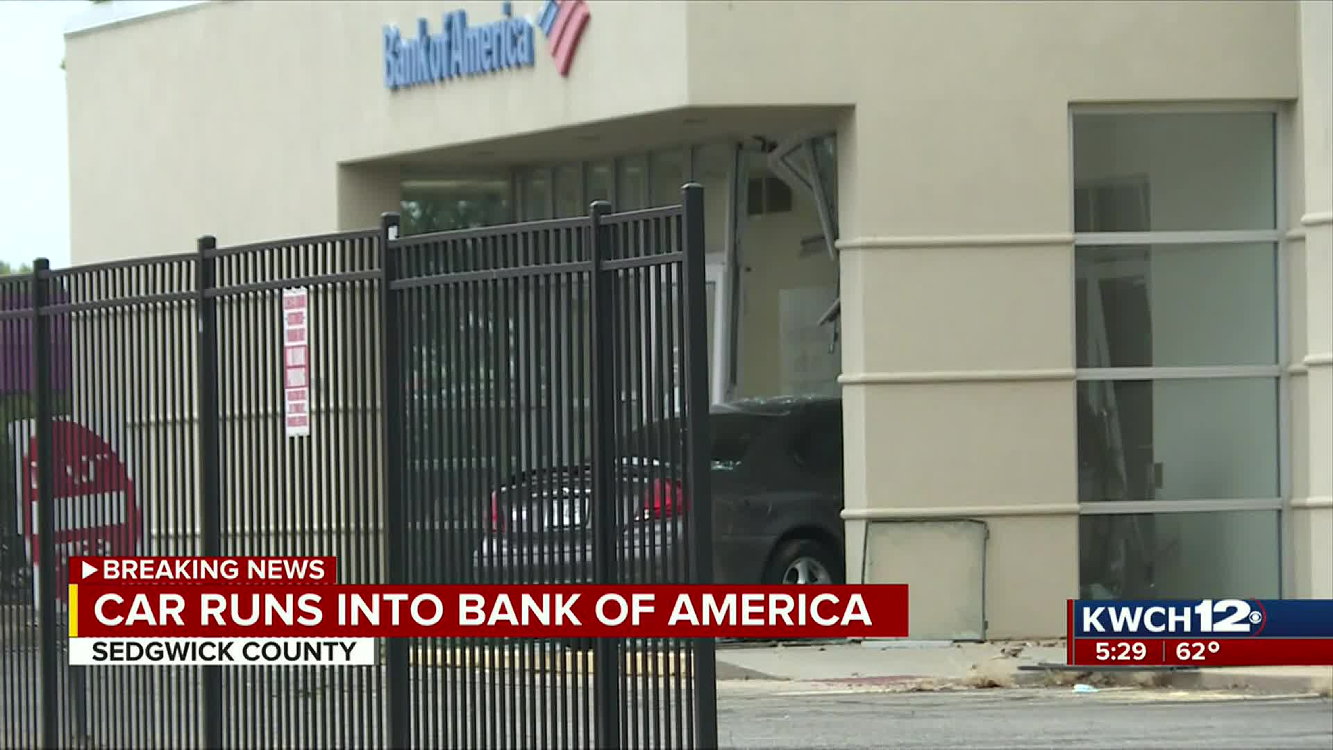 Car Runs Into Bank Of America Building In Sw Wichita